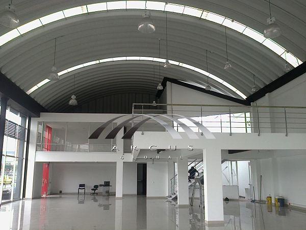 Arcotechos o techos autosoportados para oficinas