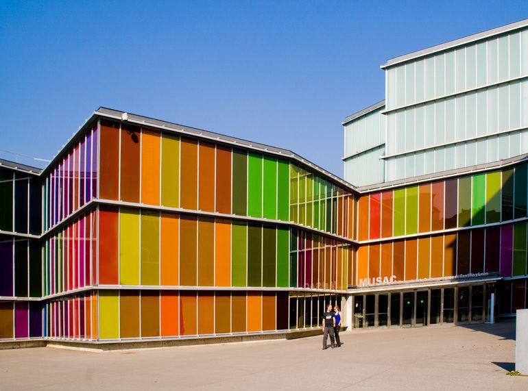 ¿Cómo influye el color en la arquitectura sostenible?