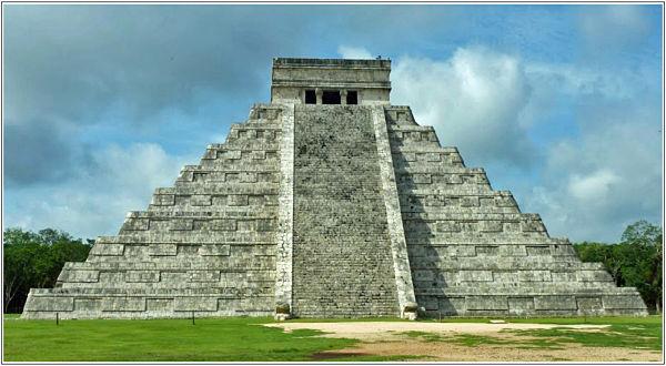 Encuentran sistema hidráulico en pirámide Maya