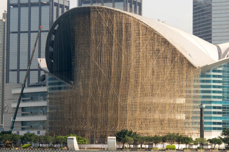 ¿Andamios de bambú para construcción de rascacielos?