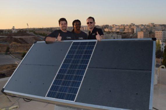 Source: panel solar que transforma la humedad en agua potable