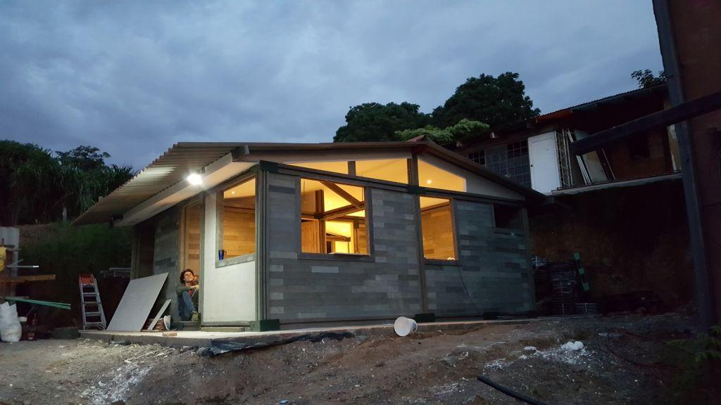 Casas con ladrillos de plástico en Colombia
