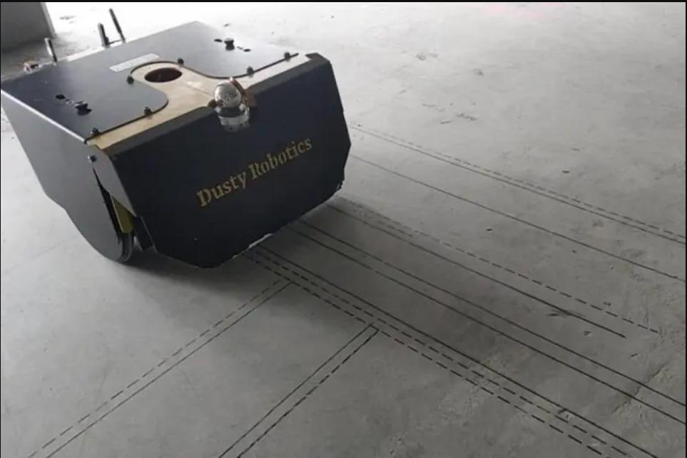 Dusty, el robot que dibuja planos desde el suelo de las obras